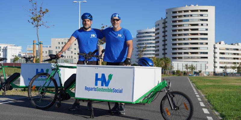 Huelva Vence: pedaladas sostenibles para repartir paquetes envueltos de ilusión
